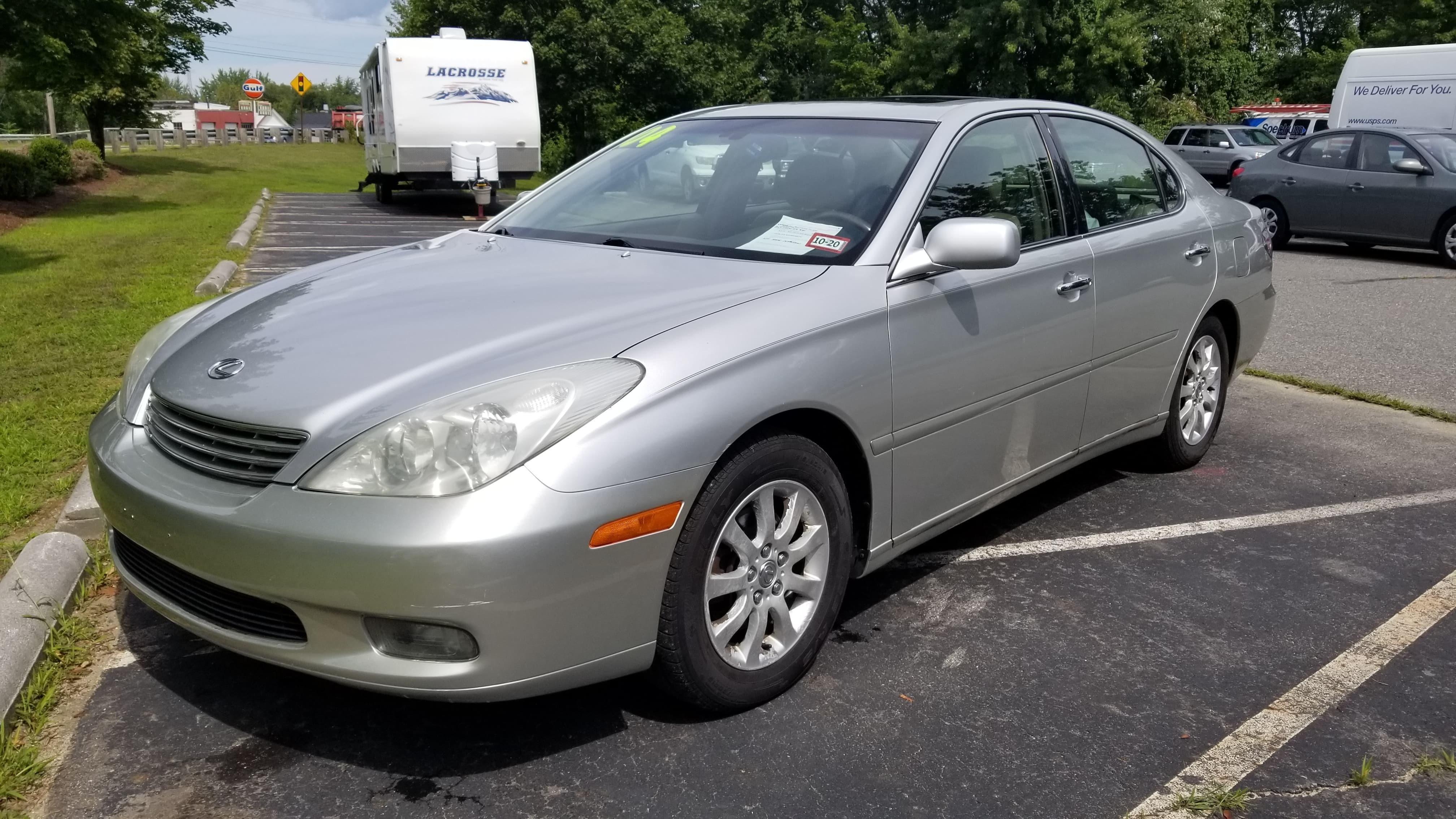 2004 Lexus ES300 w/ Sunroof!
