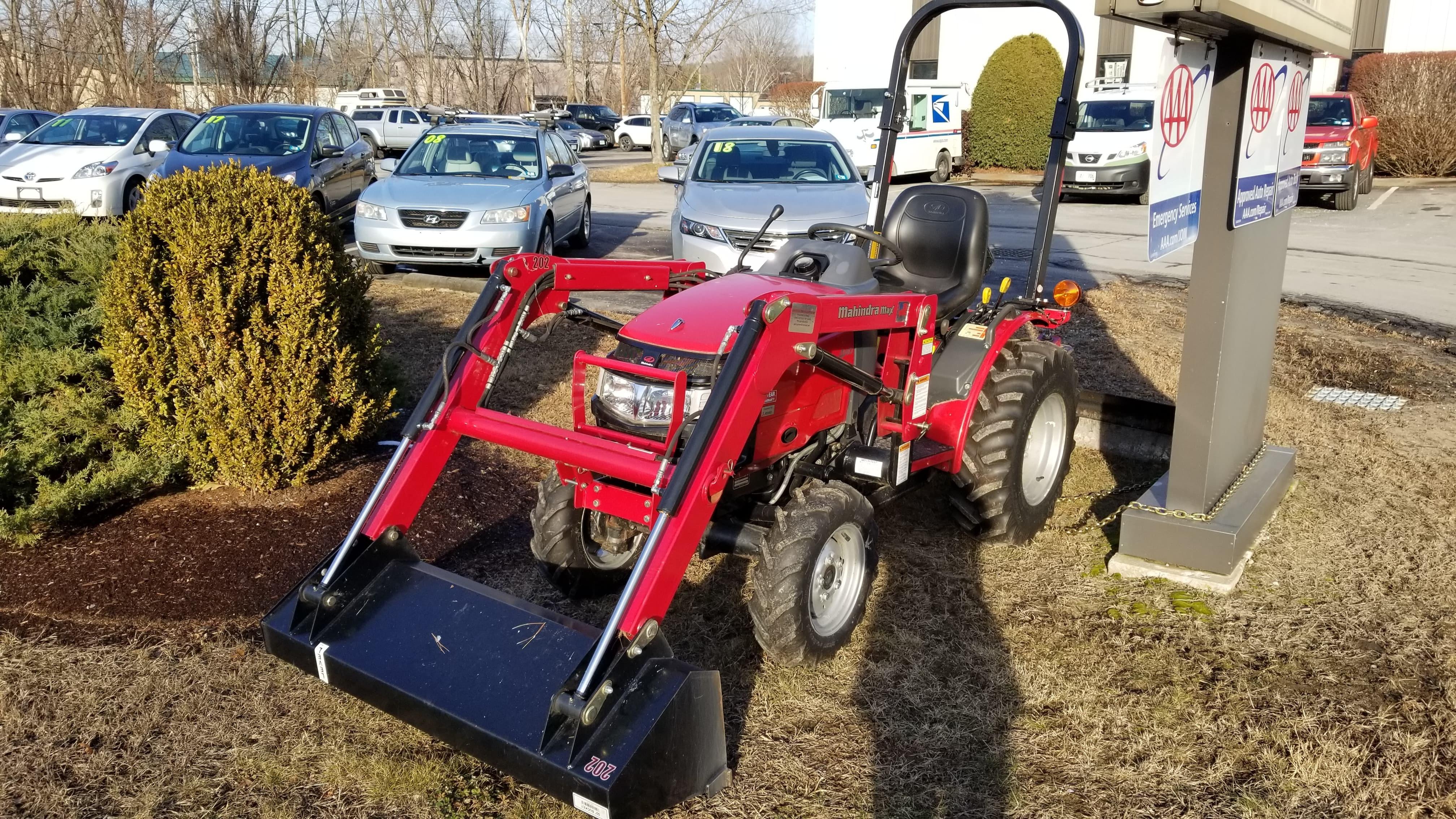 2013 Mahindra Max 25 HST 4wd Tractor